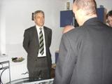 Inhaber Jörg Klinnert gibt dem Ministerpräsidenten Tillich einen Überblick über den Umfang der Sanierungsmaßnahmen...