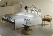 romantische metallbetten essgarnituren sitzgarnituren. Black Bedroom Furniture Sets. Home Design Ideas